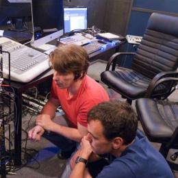 Mixingroom_boys_thinking